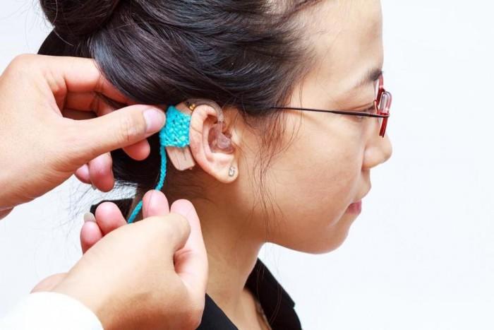 máy trợ thính sau tai