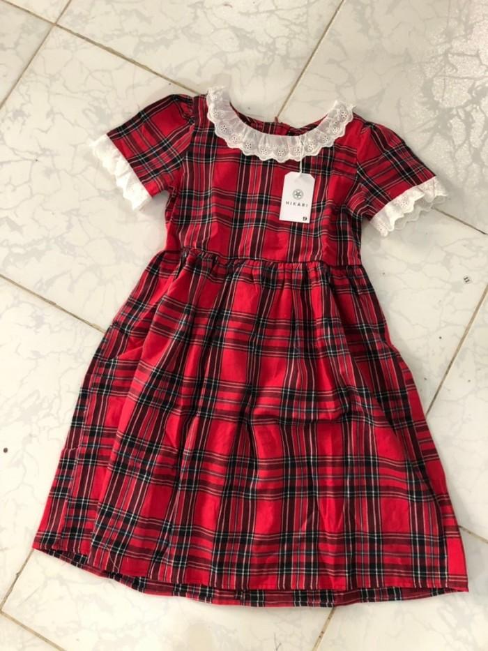 Đầm sọc caro đỏ phối ren trắng xòe nhẹ nhún eo HIKARI-190