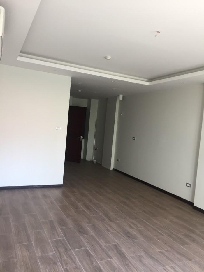 Cho thuê nhà xây mới 100%, 05 tầng mặt đường Hoàng Hoa Thám, Ba Đình. Vỉa hè rộng, giao thông thuận tiện