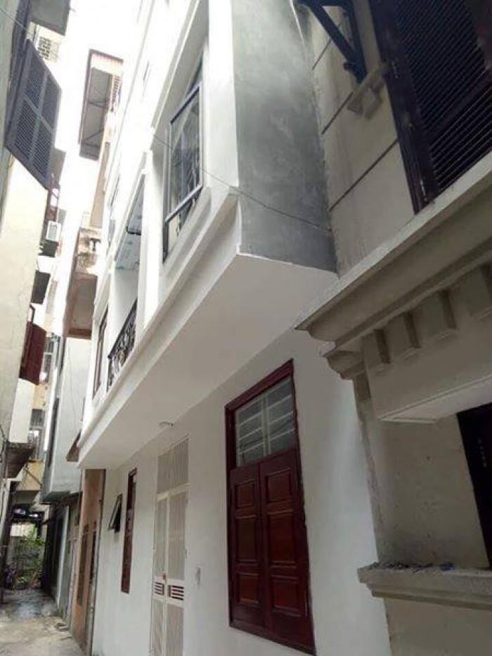 Bán nhà ngõ 93 Hoàng Văn Thái, DT 33m, 5 tầng, mới