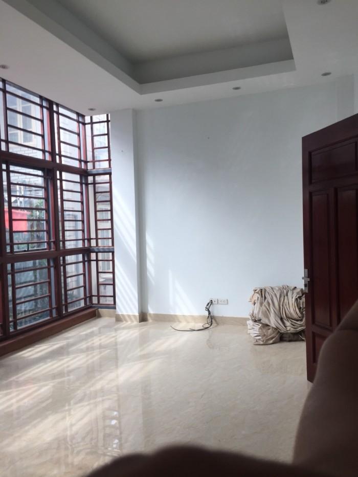 Cho thuê nhà mặt phố Ông Ích Khiêm, Ba Đình. Diện tích 60m2 x 5 tầng nhà đẹp