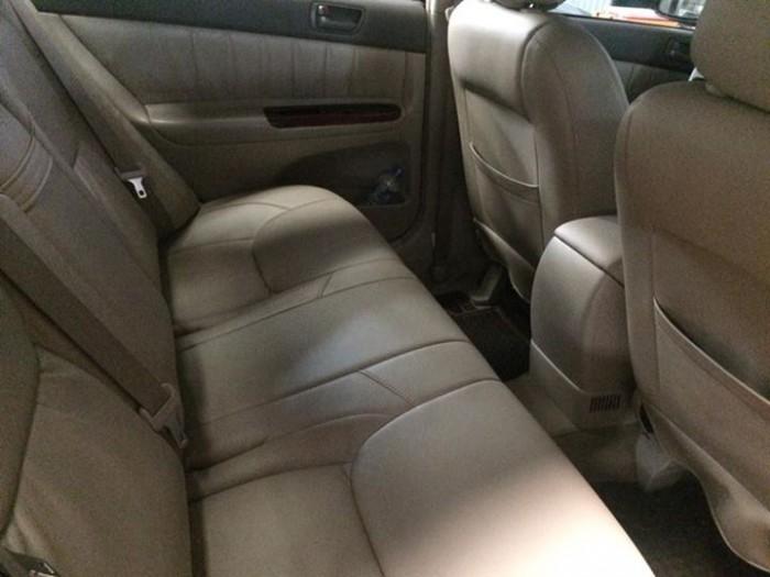 Gia đình cần bán xe Camry 2003, số sàn, màu đen, xe còn mới tinh