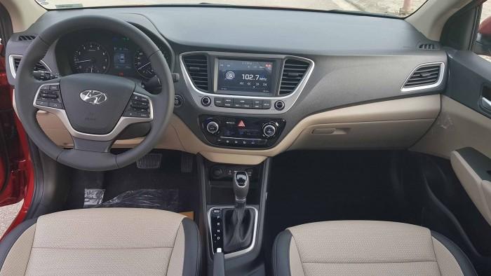 Cần bán xe Hyundai Accent 1.4AT 2018 màu đỏ đập hộp tháng 08/2018 odo lướt gần 800km