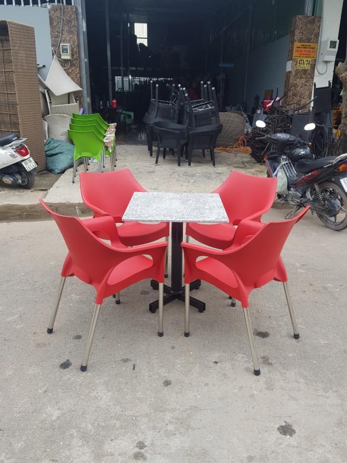 Bàn ghế cafe nhựa đúc mẫu mới chân inox phi 27