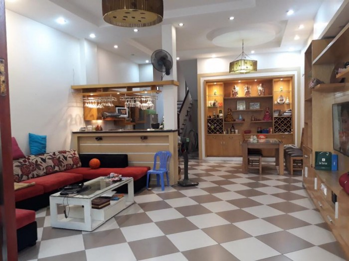 Sở hữu nhà đẹp mặt Phố Nguyễn Đức Cảnh, quận Hoàng Mai, kinh doanh sầm uất, vỉa hè rộng