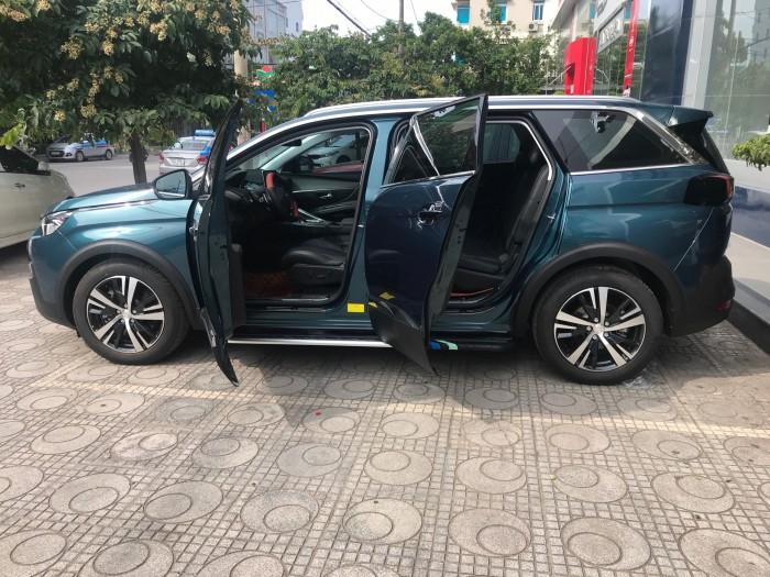 Độ xe Peugeot 5008 Full option tại Thái Nguyên 0
