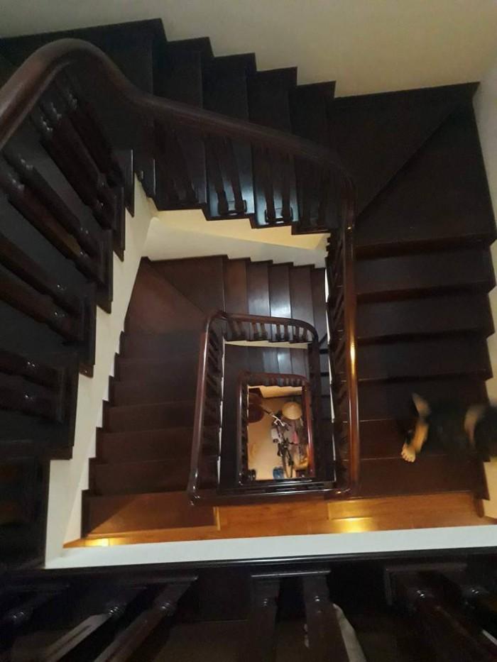 Bán nhà 51m2 x 5 tầng đẹp nhất Văn Quán. ô tô đỗ cửa Ở luôn.