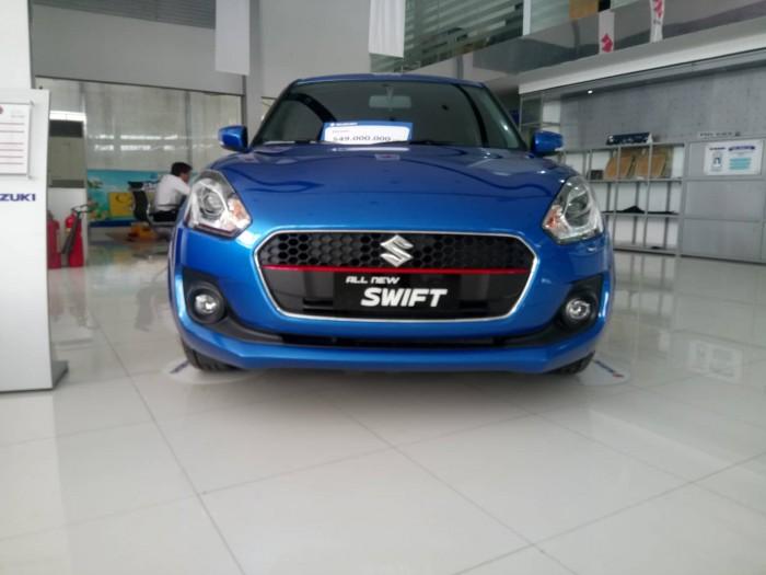 Xe Suzuki Swift 2019 đỏ