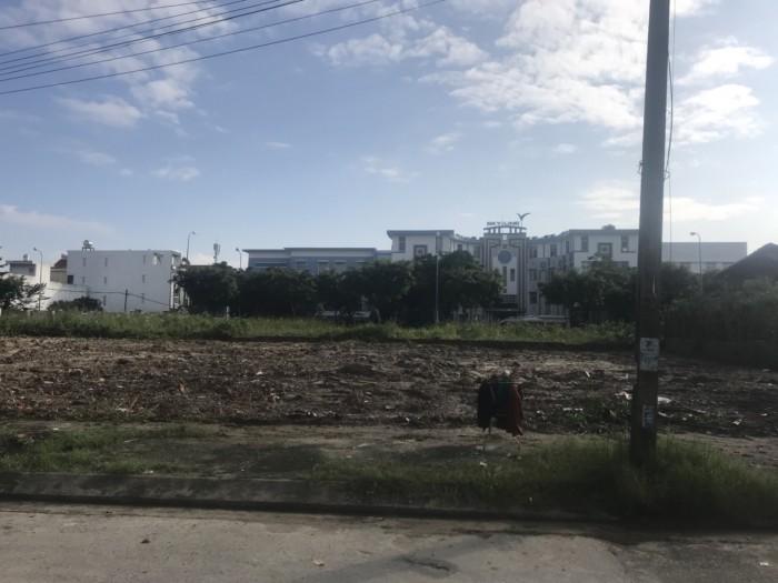 Chính chủ cần bán gấp lô đất gần Sông Hàn , Đối diện Lotte Mart.