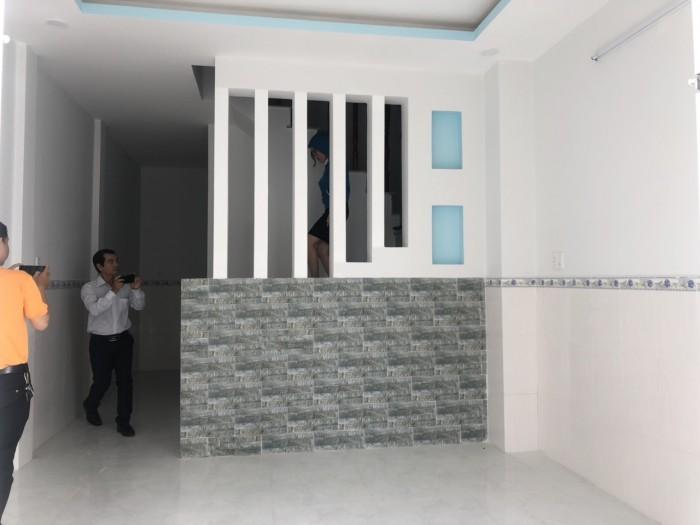 Bán nhà mới xây ngay bến phà Long Hậu-Tân Kim, 80m2 sàn, 2 tầng, 2PN, 2WC, full nội thất