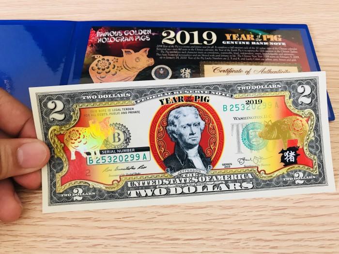 Tiền 2 USD Hình Con Heo Mạ Vàng 2019 Mỹ lì xì tết0