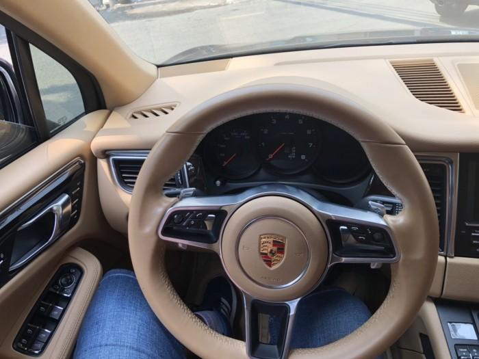 Bán em Porsche Macan 2.0 turbo 2015 màu đen số tự động 7 cấp
