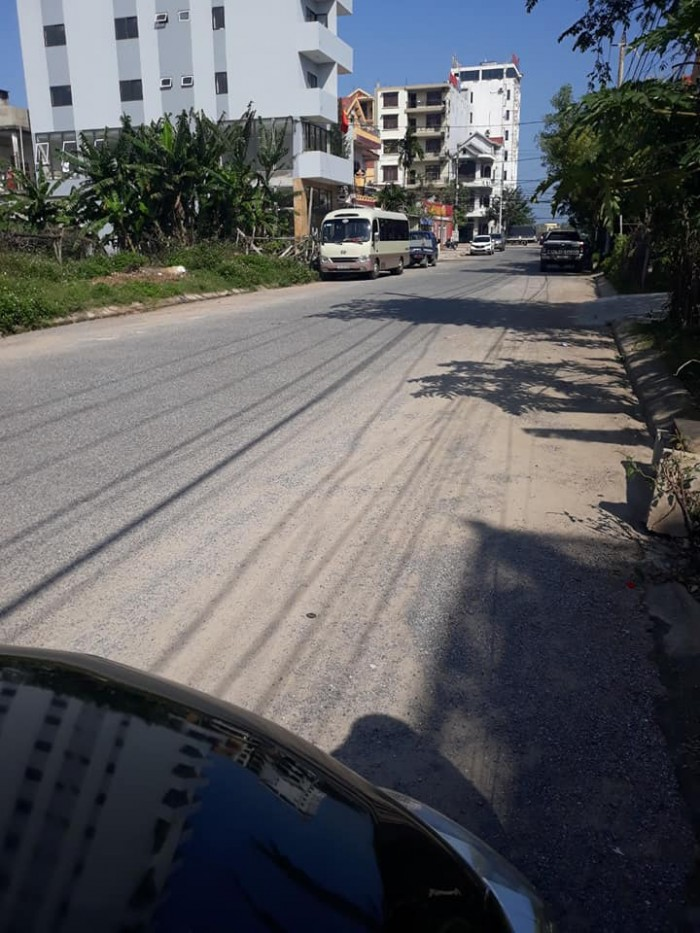 Bán đất trung tâm TP Đồng Hới, mặt tiền đường rộng 22,5m2