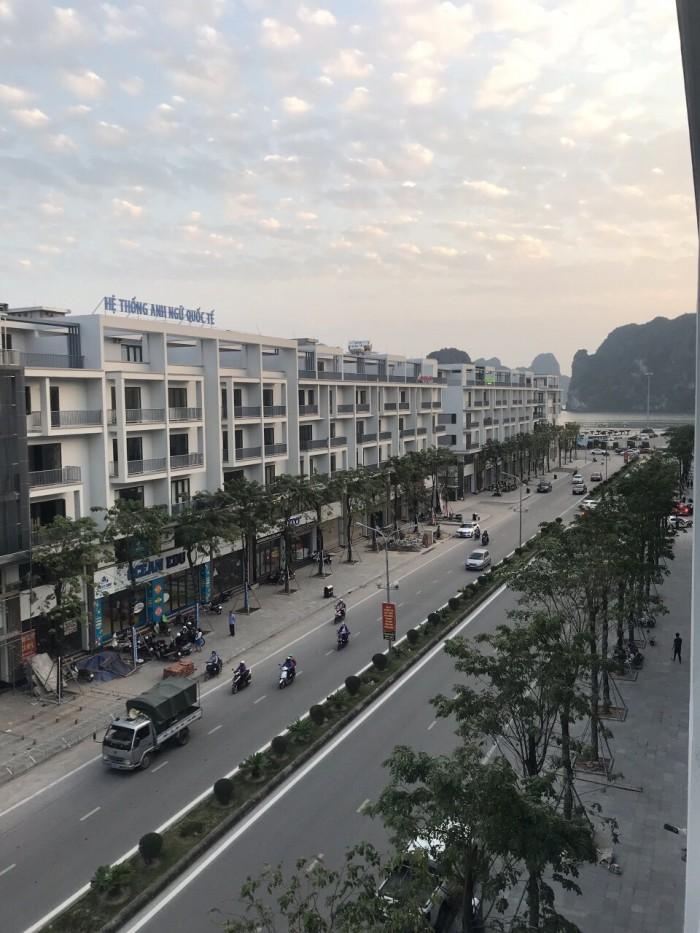 Gia đình bán cắt lỗ căn liền kề dãy A4 Mon Bay, Hướng ĐN trục Hải Long
