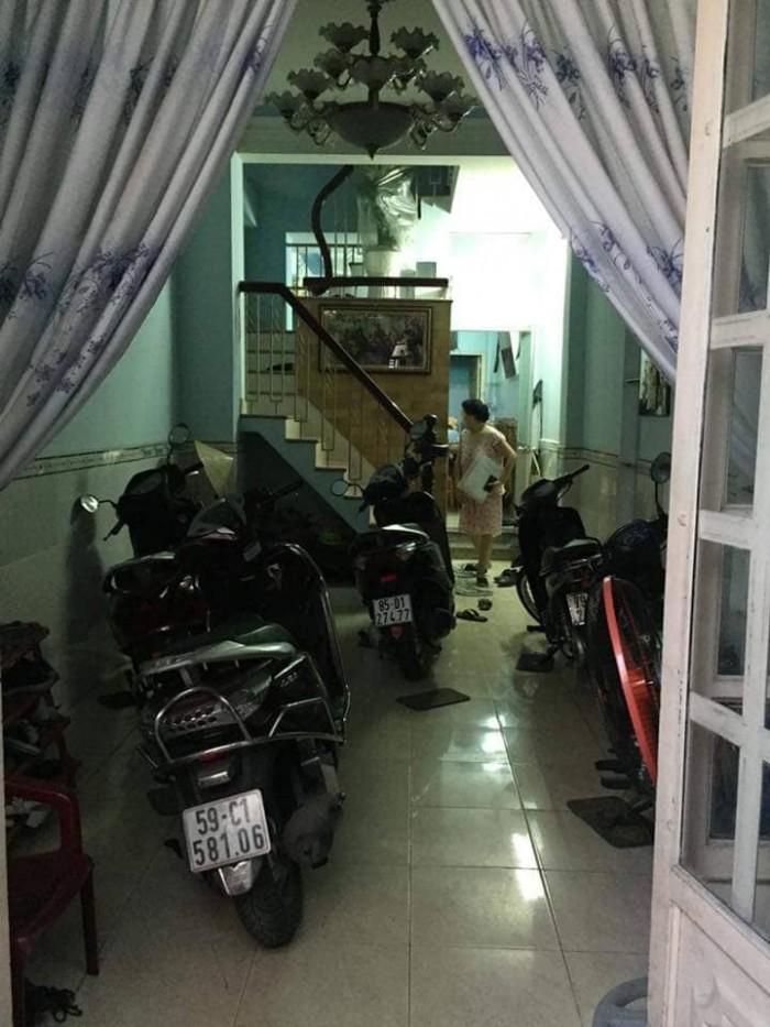 Cần bán nhà mới ở đường Phạm Văn Bạch quận Tân Bình, hẻm xe hơi, 40m2