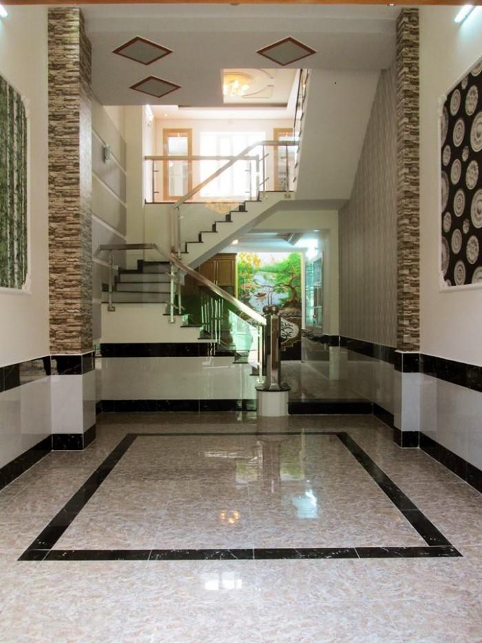 Cần bán nhà mặt tiền đường Sư Vạn Hạnh quận 10, 31 m2.
