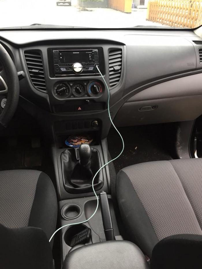 Bán xe Mitsubishi Triton số sàn 2017 đk 2018 máy dầu 1 cầu, xe màu đen