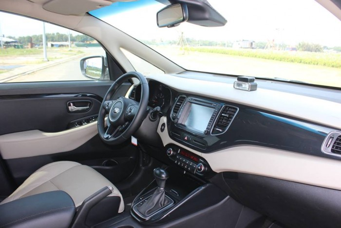 Bán Kia Rondo 2016 GAT màu trắng xe đẹp nguyên thủy . 0