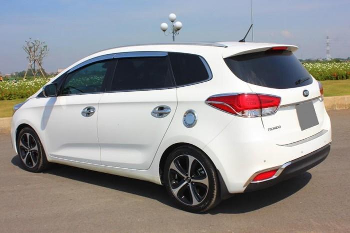 Bán Kia Rondo 2016 GAT màu trắng xe đẹp nguyên thủy . 7