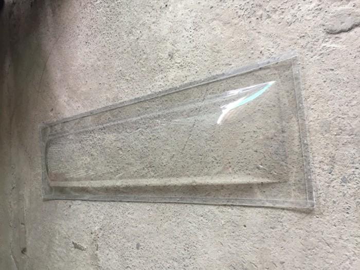 Bán sản phẩm kiếng quan tài bằng nhựa PET3