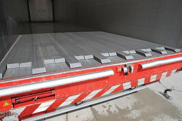 Sàn trượt tự động gắn container