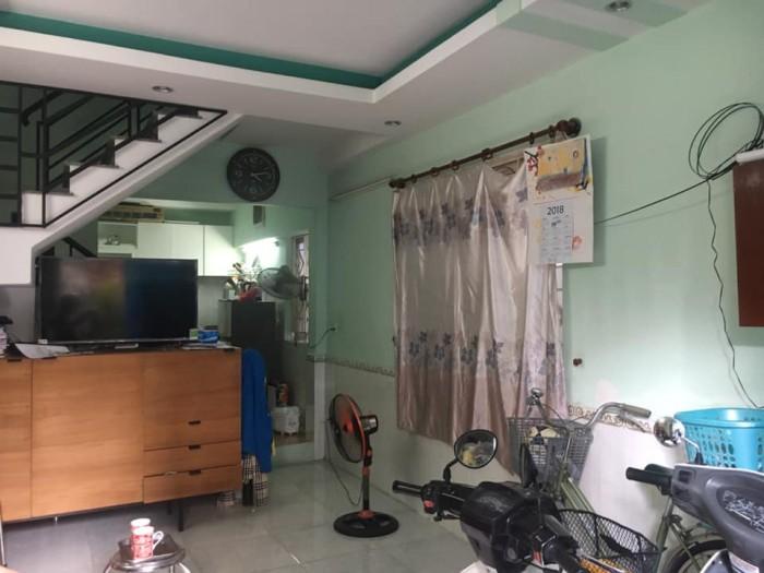 Bán gấp nhà Phan Văn Trị 69.5m2, thuê 18tr/th