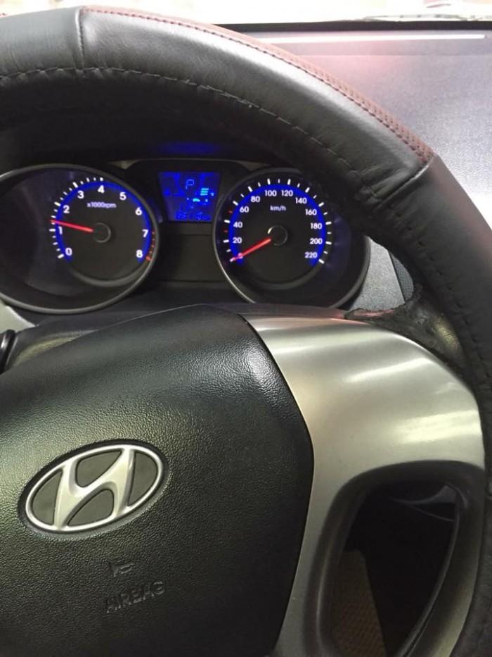 Bán Hyundai Tucson 2010 số sàn máy xăng bản full