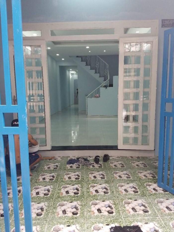 Bán nhà đường Huỳnh Tấn Phát, phường Phú Thuận, Quận 7 Tp Hồ Chí Minh. DT 4m x 19m