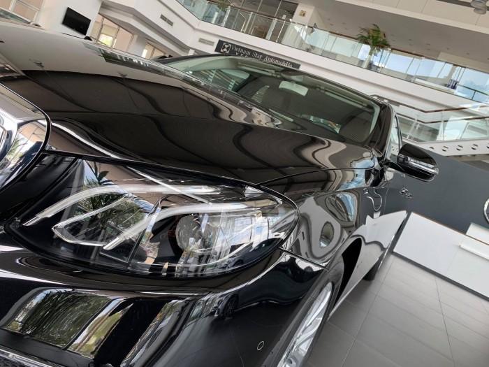 Bán Mercedes-Benz E200 giao ngay trong ngay 2