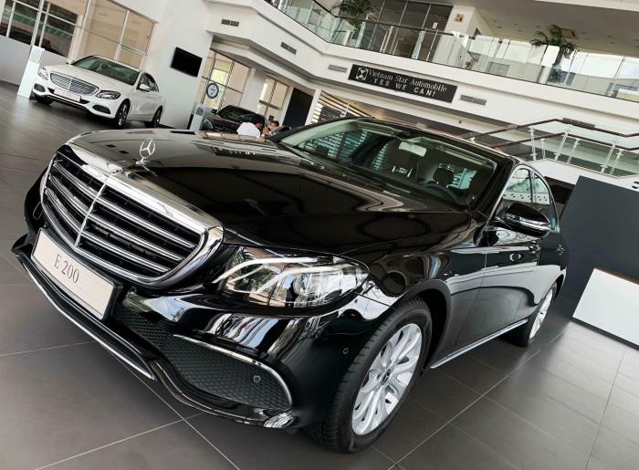 Bán Mercedes-Benz E200 giao ngay trong ngay 0