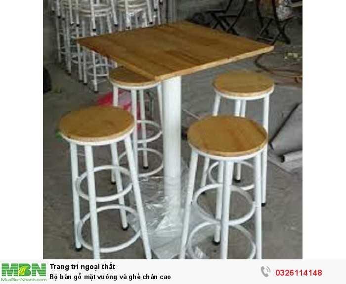 Bộ bàn gỗ mặt vuông và ghế chân cao