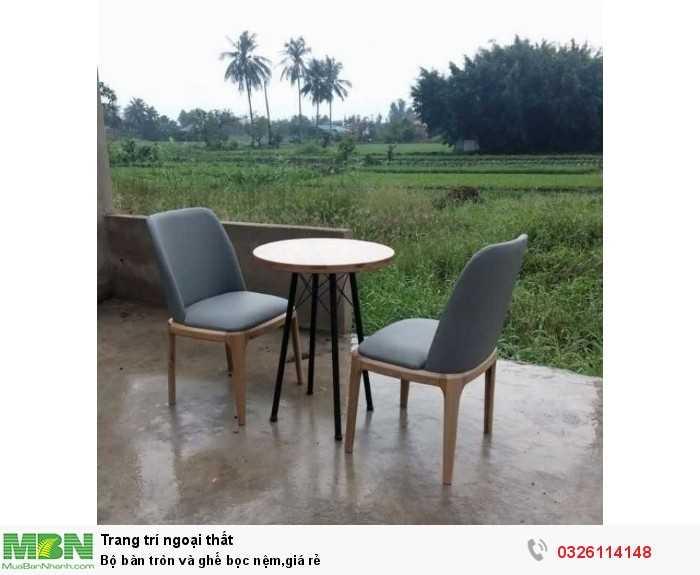 Bộ bàn tròn và ghế bọc nệm,giá rẻ