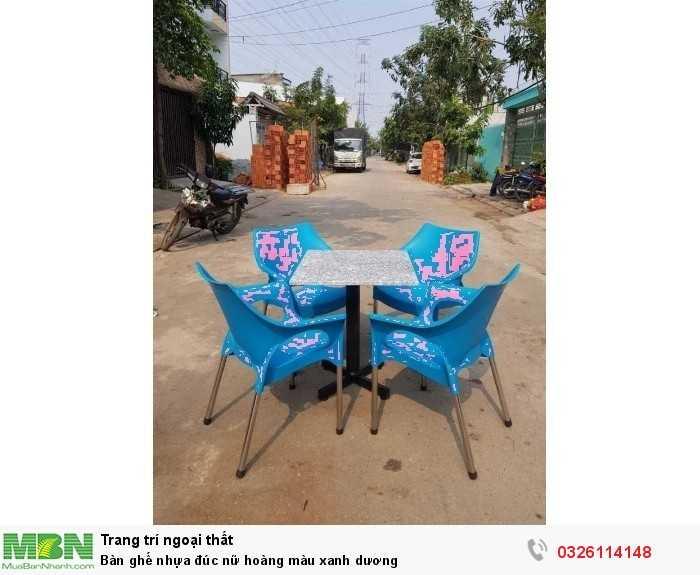 Bàn ghế nhựa đúc nữ hoàng màu xanh dương0