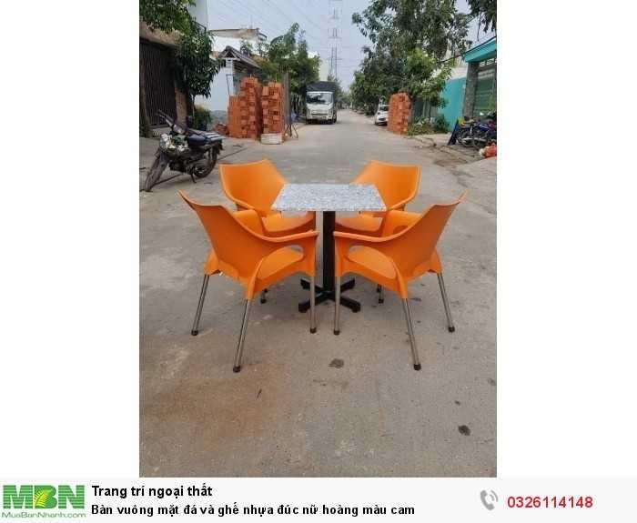 Bàn vuông mặt đá và ghế nhựa đúc nữ hoàng màu cam