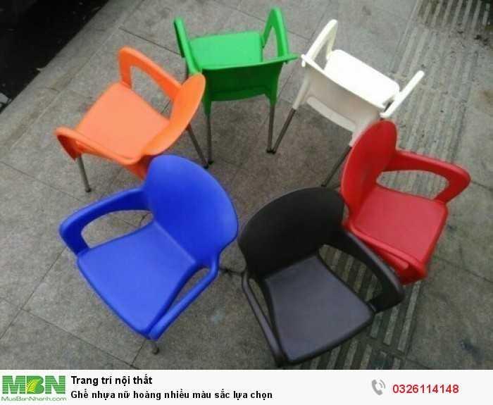 Ghế nhựa nữ hoàng nhiều màu sắc lựa chọn0