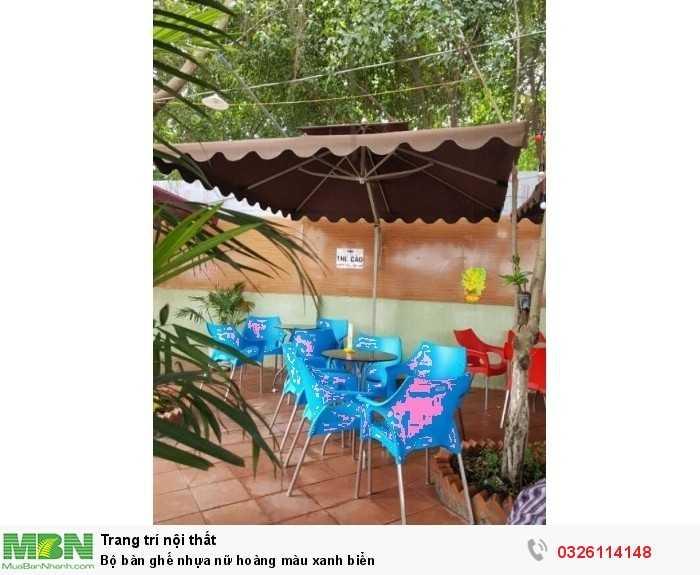 Bộ bàn ghế nhựa nữ hoàng màu xanh biển