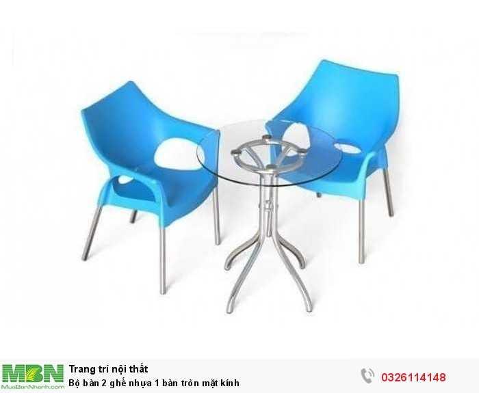 Bộ bàn 2 ghế nhựa 1 bàn tròn mặt kính0