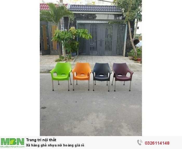 Xã hàng ghế nhựa nữ hoàng giá rẻ0