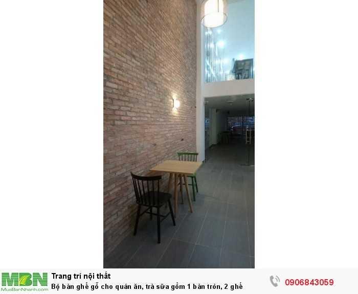 Bộ bàn ghế gỗ cho quán ăn, trà sữa gồm 1 bàn tròn, 2 ghế0