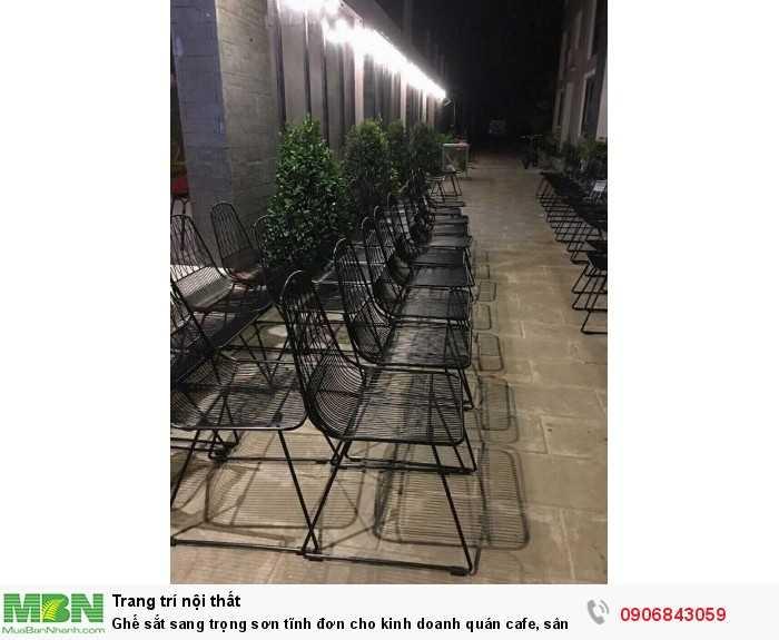 Ghế sắt sang trọng sơn tĩnh đơn cho kinh doanh quán cafe, sân vườn0