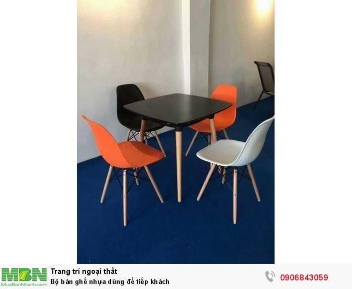 Bộ bàn ghế nhựa dùng để tiếp khách0