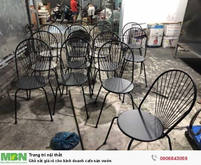 Ghế sắt giá rẻ cho kinh doanh cafe sân vườn0