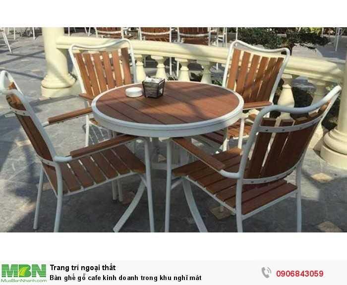 Bàn ghế gỗ cafe kinh doanh trong khu nghĩ mát0