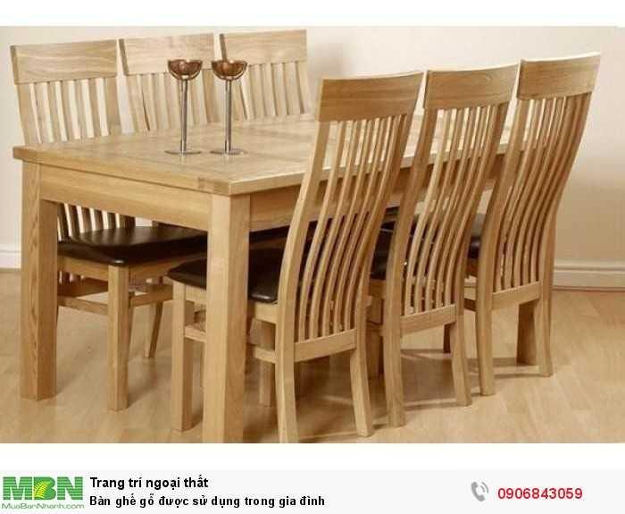 Bàn ghế gỗ được sử dụng trong gia đình0