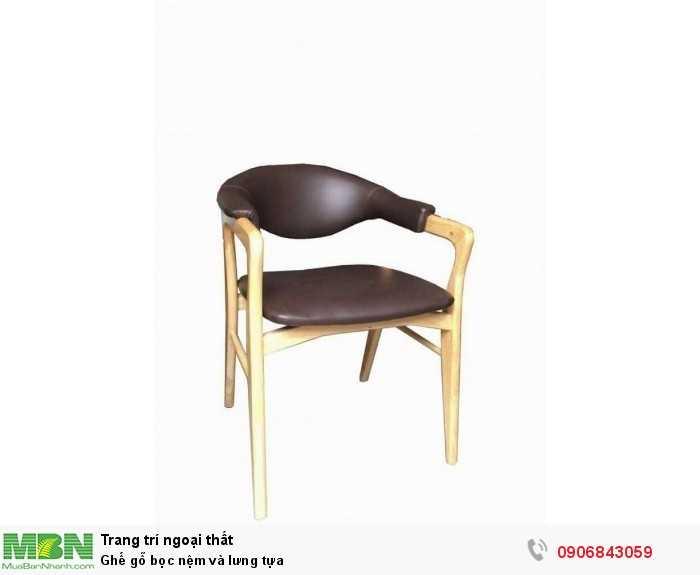 Ghế gỗ bọc nệm và lưng tựa0