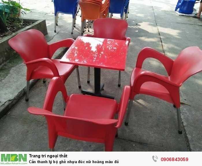 Cần thanh lý bộ ghế nhựa đúc nữ hoàng màu đỏ0