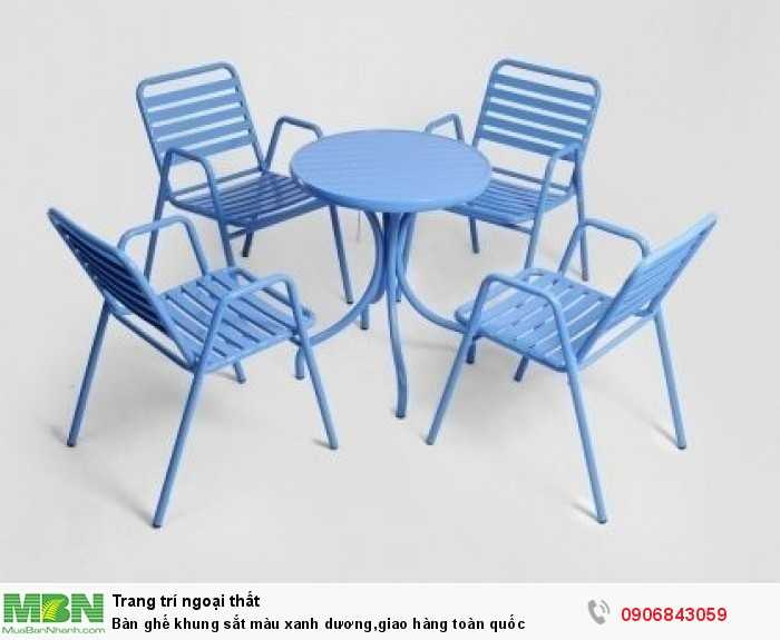 Bàn ghế khung sắt màu xanh dương,giao hàng toàn quốc0
