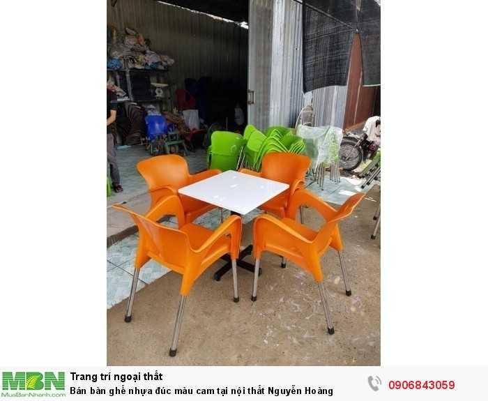 Bán bàn ghế nhựa đúc màu cam tại nội thất Nguyễn Hoàng0