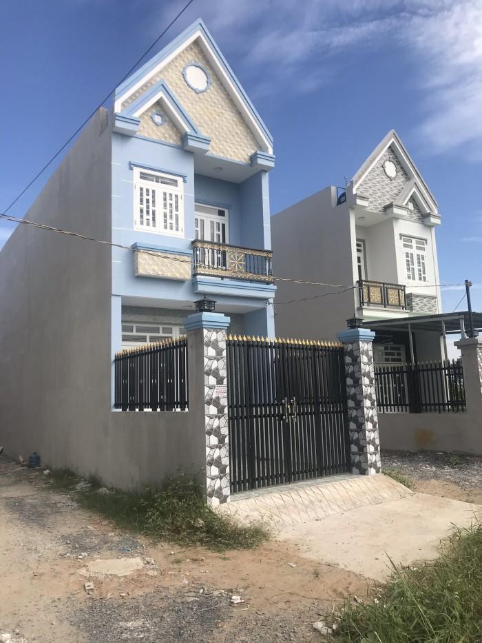 Bán nhà gần ngã 3 Tân Kim 1 trệt+2 lầu, sổ riêng từng căn