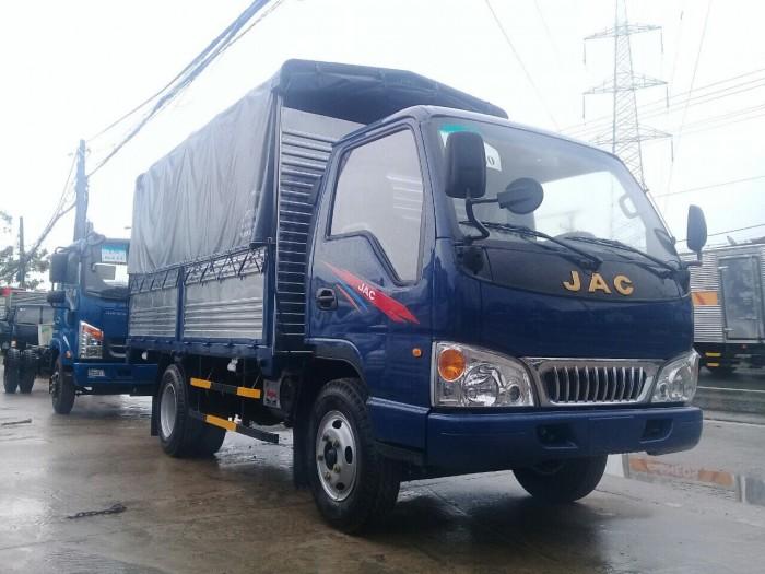 Mua xe tải jac 2.5 tấn máy isuzu chính hãng xe tải jac vào thành phố 1